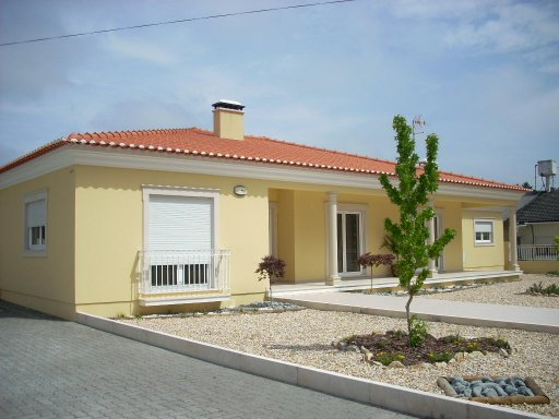 Imobiliário - Vendas -  Moradias - Big 4 Bedroom Villa with large plot, set near forest area. - ID 5662