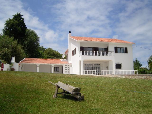 Cela - Imobiliário - Vendas - Casas - Beautiful 4 bedroom house with pool - ID 4879