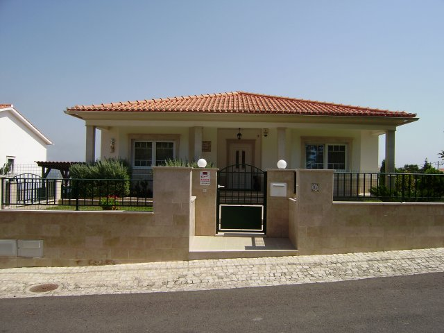Real Estate - Sales - Houses - Beautiful detached Villa with bayview - ID 4865