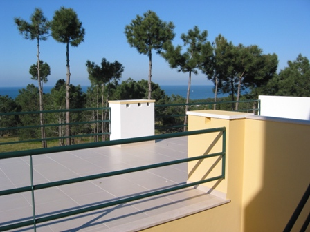 Imobiliário - Vendas -  Moradias - Silver coast Portugal - Detached house with covered swimming pool in Nazare - ID 5649