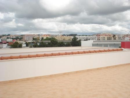 Imobiliário - Vendas - Apartamentos - 4 Bedroom detached villa with Sea Views in Vale do Lobo II - ID 6448