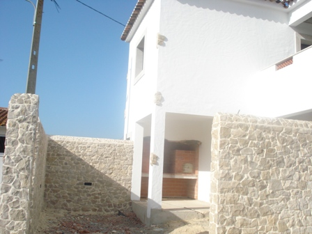 Imobiliário - Vendas -  Moradias - 3 Bed Villa + 1Bed Guest Apartment With Pool on Large Plot - ID 5240