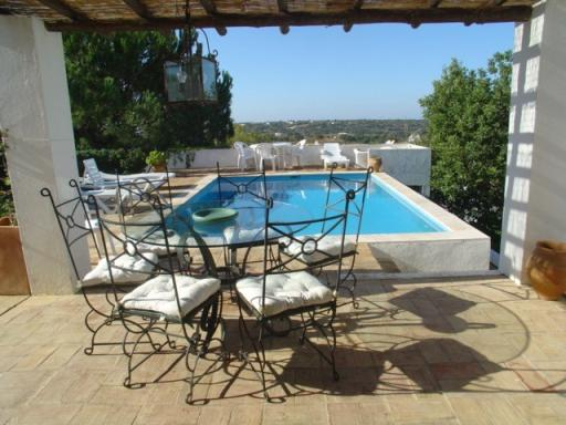 Imobiliário - Vendas - Casas - Portugal Properties - Traditional Villa in the Algarve with nice views - ID 4744