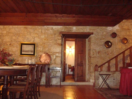 Imobiliário - Vendas - Casas - Beautiful Farm from the 18th Century - Portugal Real Estate - ID 4724