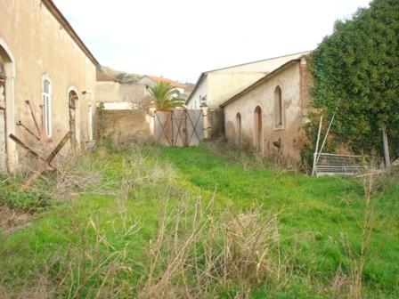 Imobiliário - Vendas - Escritorios & Lojas & Comercio - Real Estate Portugal - Farm with villa and storage buildings – great countryside views - ID 4609