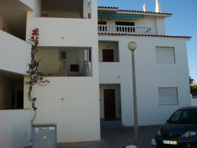 ALBUFEIRA - Imobiliário - Vendas - Apartamentos - ONE BEDROOM BEACH APARTMENT ALBUFEIRA - ID 5880