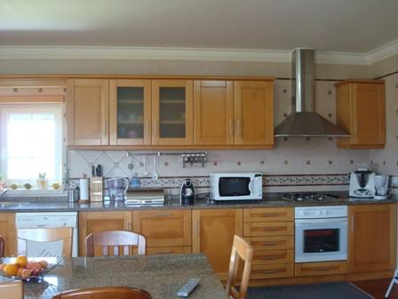 Imobiliário - Vendas - Casas - Stunning 2 Bedroom 2 Bathroom apartment in Porches with sea views 3 swimming pools on condominium - ID 6006
