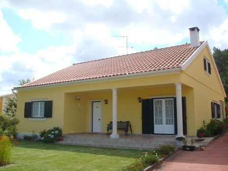 Imobiliário - Vendas - Casas - Beautiful 4 Bed Villa with amazing garden and fruit trees Portugaql Properties - ID 4687