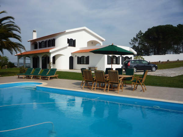 Imobiliário - Vendas - Casas - Portugal Real Estate - Fabulous Large Villa with Swimming pool - ID 4625