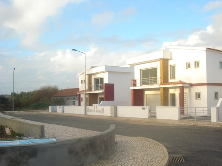 Imobiliário - Vendas - Casas - Real Estate Portugal - Nice Villa in a good location – Very good price - ID 4617
