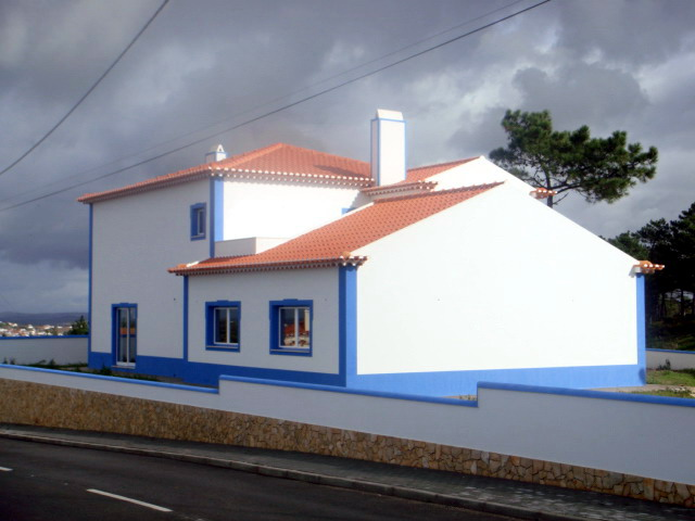 Imobiliário - Vendas -  Moradias - Beautiful 3 bedroom Villa with distanet seaview - ID 5526