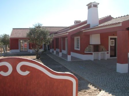 Imobiliário - Vendas - Casas - Nice traditional villa in the countryside - Real Estate Portugal - ID 4604