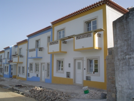 Imobiliário - Vendas - Casas - Townhouses in private complex with communal pool.- Silver Coast Properties - ID 4598