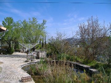 Imobiliário - Vendas - Casas - This property is situated between Loule and Sao Bras in a very quiet area, with a good access. - ID 4567
