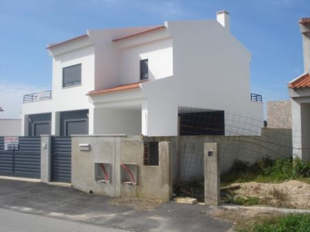 Imobiliário - Vendas - Casas - Large beautifull villa with open views to the Bay of Sao Martinho and countryside - ID 5171