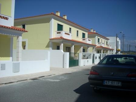 Sao Martinho do Porto - Imobiliário - Vendas - Casas - 2 brand new semi detached houses in Sao Martinho do Porto - ID 4544