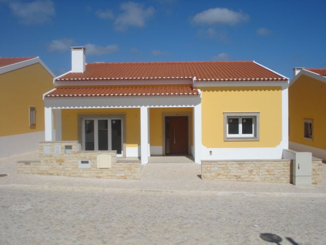Imobiliário - Vendas - Casas - 9 brand new detached homes (bungalows – all in one level) within a gated community close to Caldas da Rainha - ID 4500