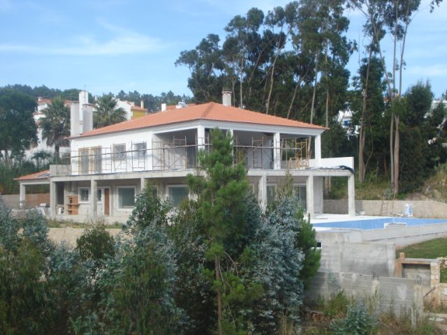 Imobiliário - Vendas - Casas - Beautiful traditional villa with beautiful views over the Lagoon - ID 4499