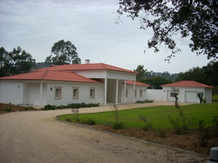 Alcobaca - Imobiliário - Vendas -  Moradias - Gorgeous house with 10,000 sq meters of land - ID 5479