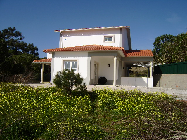 Imobiliário - Vendas - Casas - Detached villa with 3 bedrooms. - ID 4483