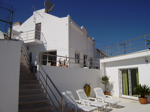 Salir do Porto - Imobiliário - Vendas - Casas - 6 ensuite bedrooms restored house, ideal for a bed & breakfast - ID 4470