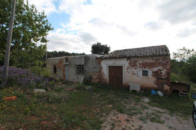 Ruin_for_sale_in_Loule_LDO6386