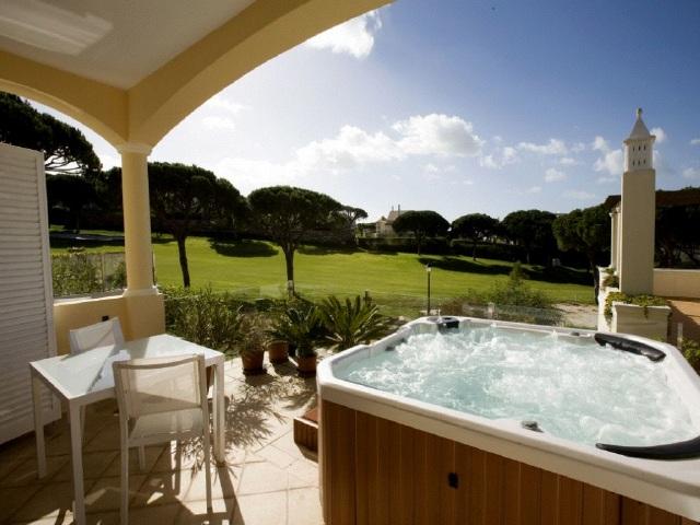 golf immobilien zum verkauf in almancil algarve sma6567. Black Bedroom Furniture Sets. Home Design Ideas