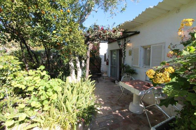 Bed & Breakfast_te_koop_in_Loule_LDO6639