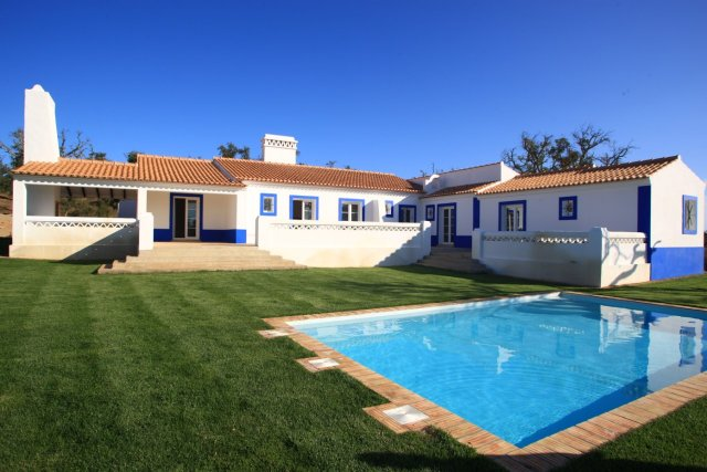 Villa_for_sale_in_Sines_FLO6685
