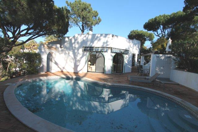 Villa_for_sale_in_Vilamoura_LDO6740