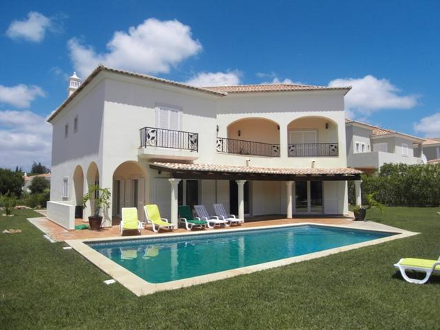 Villa_for_sale_in_Almancil_SMA6906