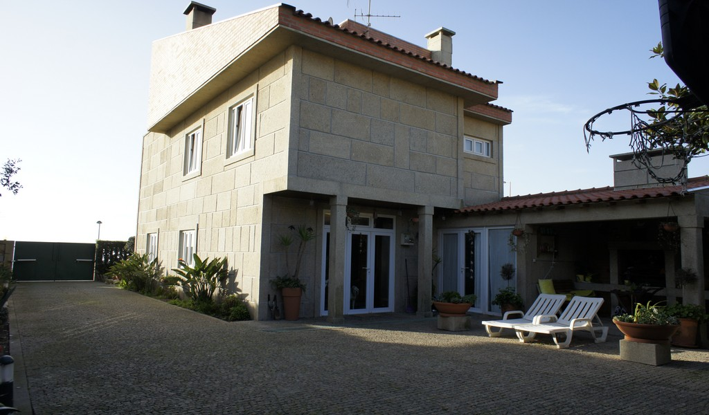 Villa_for_sale_in_Espinho_SMA7159