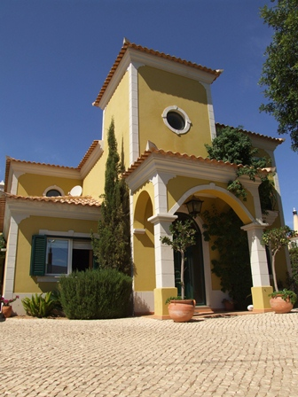 Villa_for_sale_in_Almancil_JKL7178