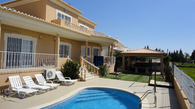 Villa_for_sale_in_Guia_SMA7250