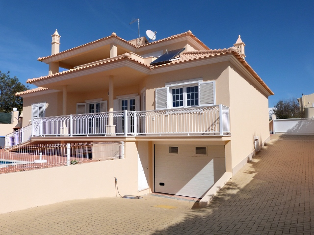 Villa_for_sale_in_Albufeira_SMA7354