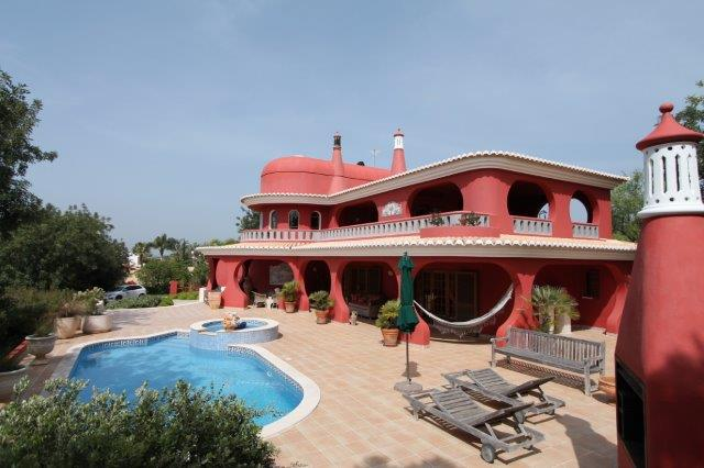 Villa_for_sale_in_Vilamoura_LDO7438