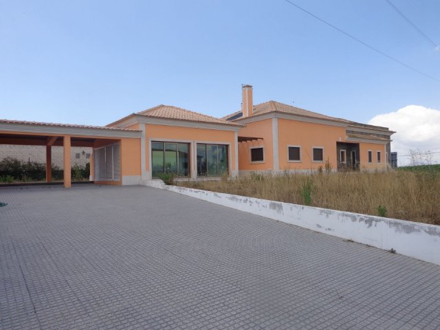 Villa_for_sale_in_na_FLO7560