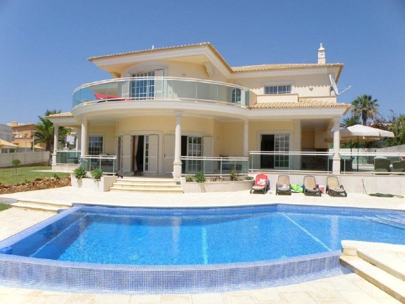 Villa_for_sale_in_Albufeira_SMA7715