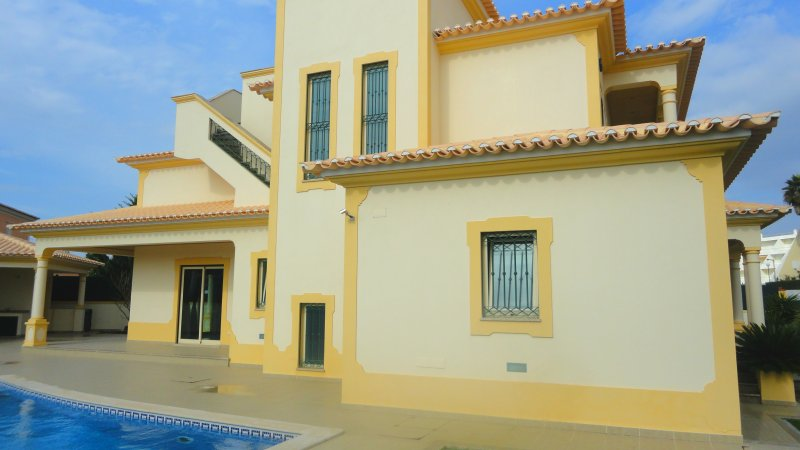 Villa_for_sale_in_Albufeira_SMA7853