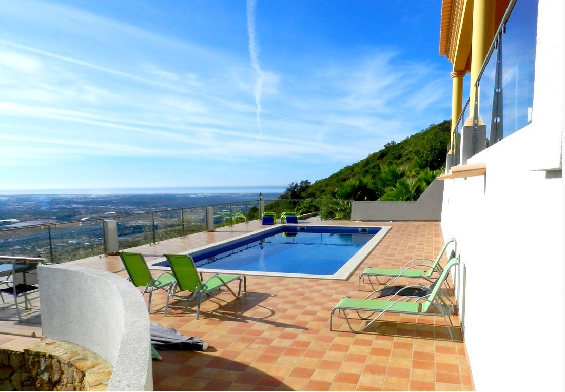 Villa_for_sale_in_Santa Barbara de Nexe_LDO7926
