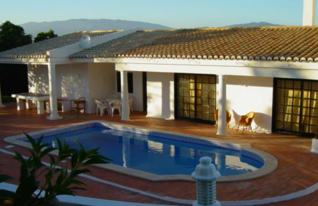 Villa_for_sale_in_Portimao_SCO7933