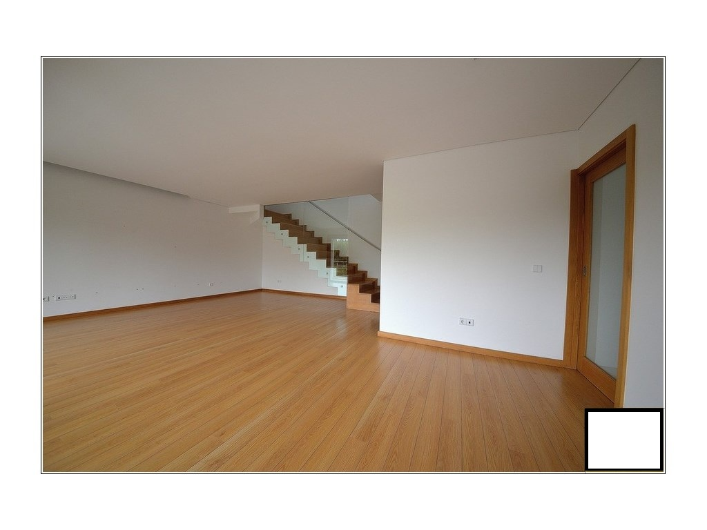 Property_for_sale_in_Espinho_PSE8000