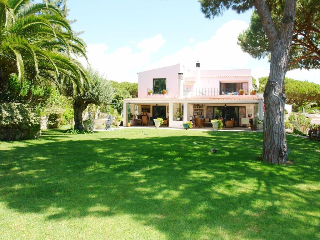 Villa_te_koop_in_Almancil_AMA8141