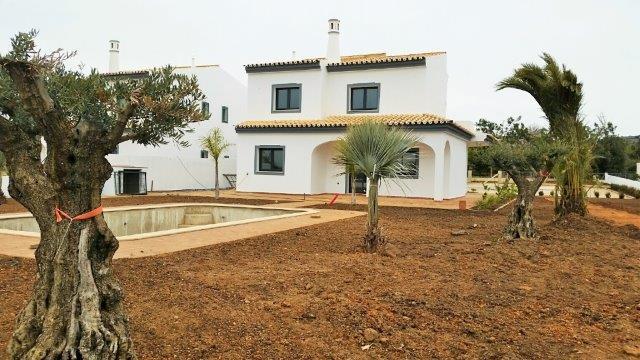 Villa_for_sale_in_Almancil_LDO8189