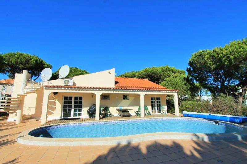 Villa_for_sale_in_Vilamoura_LDO8334