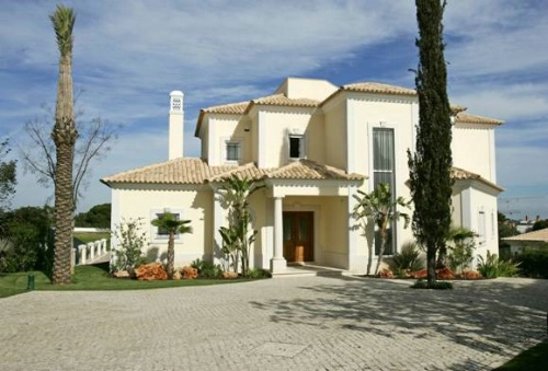 Almancil - Imobiliário - Vendas - Propriedades no Golfe - 5 Bedroom detached Villa located in Vale do Lobo - ID 6333