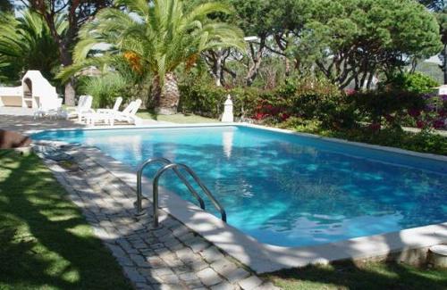 Almancil - Imobiliário - Vendas - Propriedades no Golfe - 4 Bedroom detached Villa located in mature area of Vale do Lobo - ID 6323