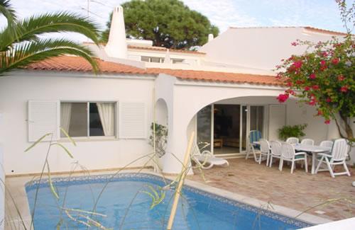 Imobiliário - Vendas - Propriedades no Golfe - 3 Bedroom Acacia villa with Pool - ID 6317