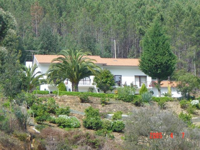 Imobiliário - Vendas - Guesthouses & Bed And Breakfasts - House for renting out with capacity for 14 people in 5 bedrooms/halls - ID 6782