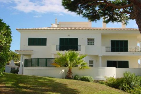 Imobiliário - Vendas - Propriedades no Golfe - 1 Bedroom Apartment Very Close to the Beach - ID 6102